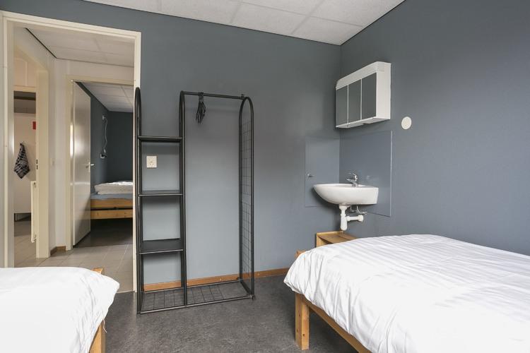 Slaapkamer allen met wastafel